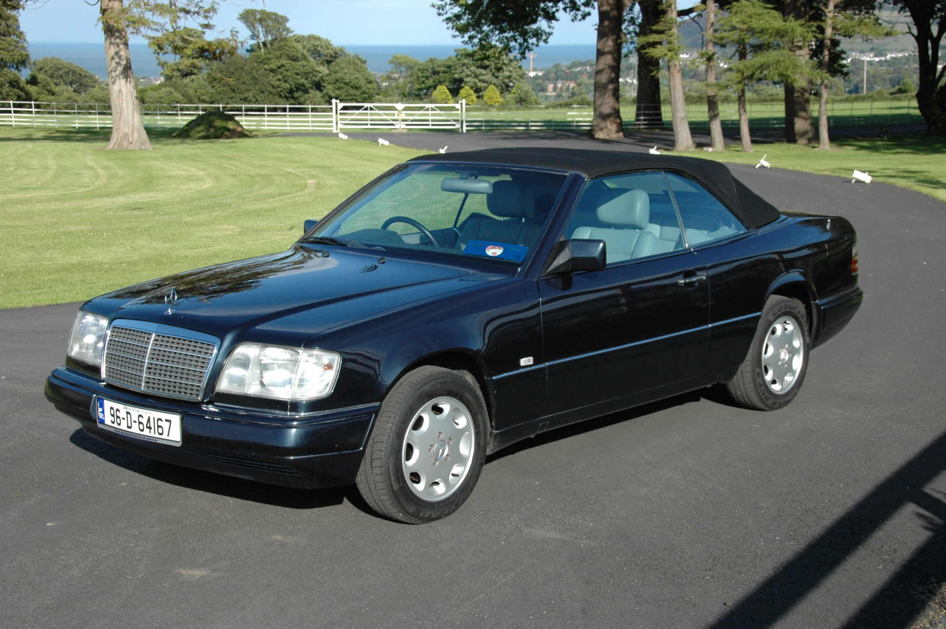 1996 mercedes benz e220 cabriolet w124 prestige classic cars for Mercedes benz 1996